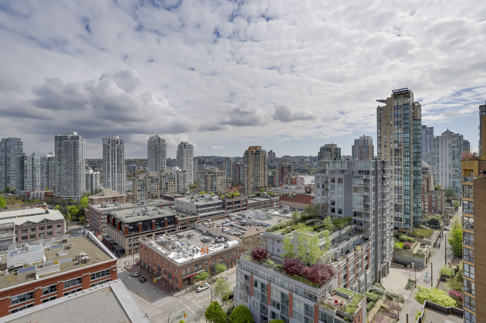 10 at 1701 - 1088 Richards Street, Yaletown, Vancouver West
