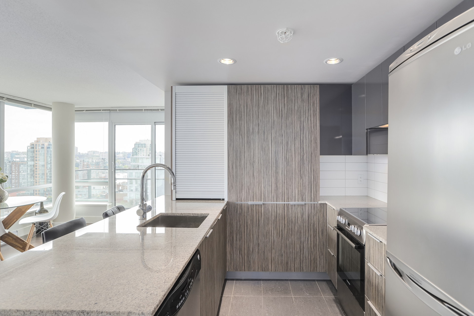 13 at 1701 - 1088 Richards Street, Yaletown, Vancouver West