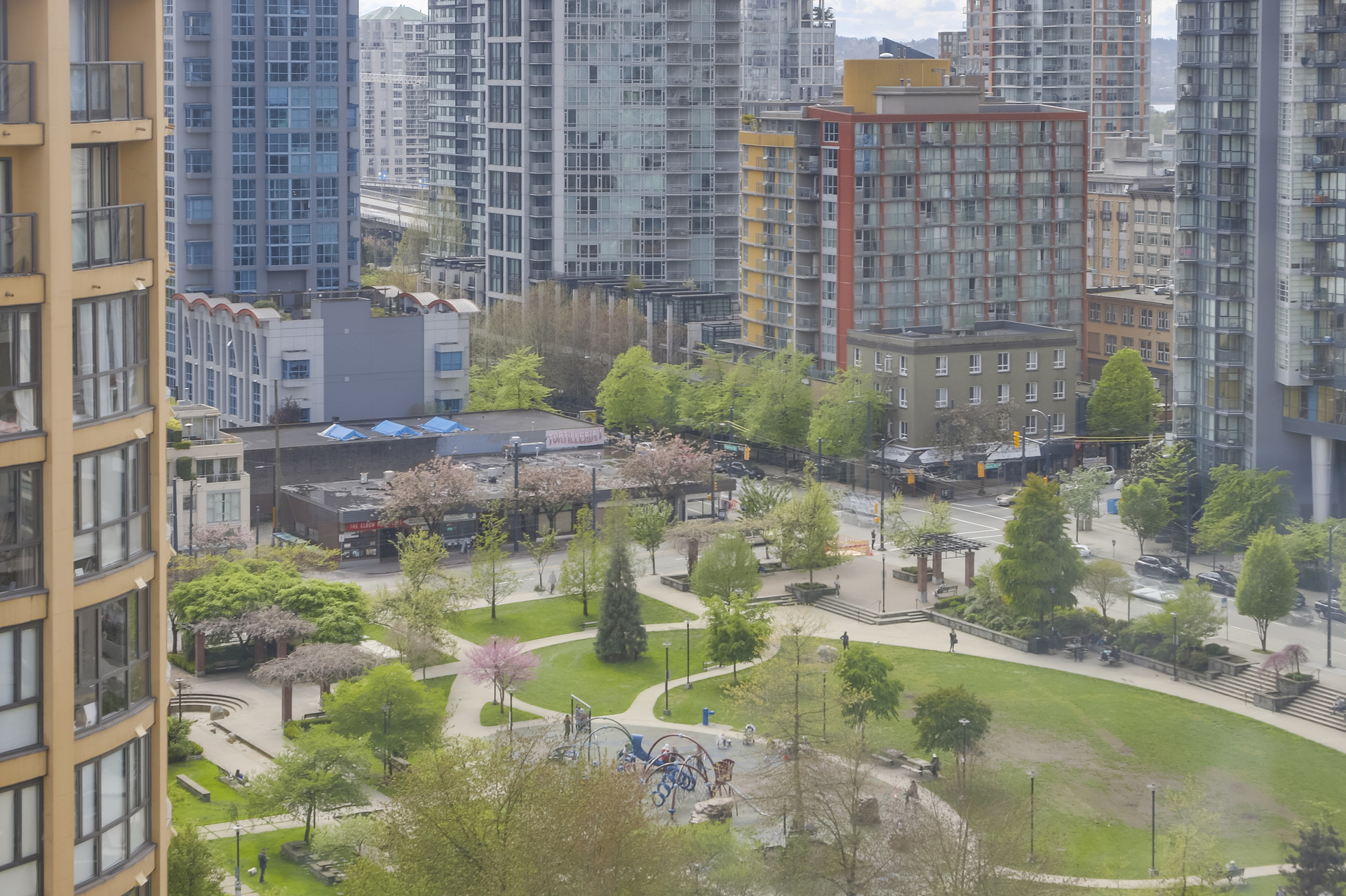 17 at 1701 - 1088 Richards Street, Yaletown, Vancouver West