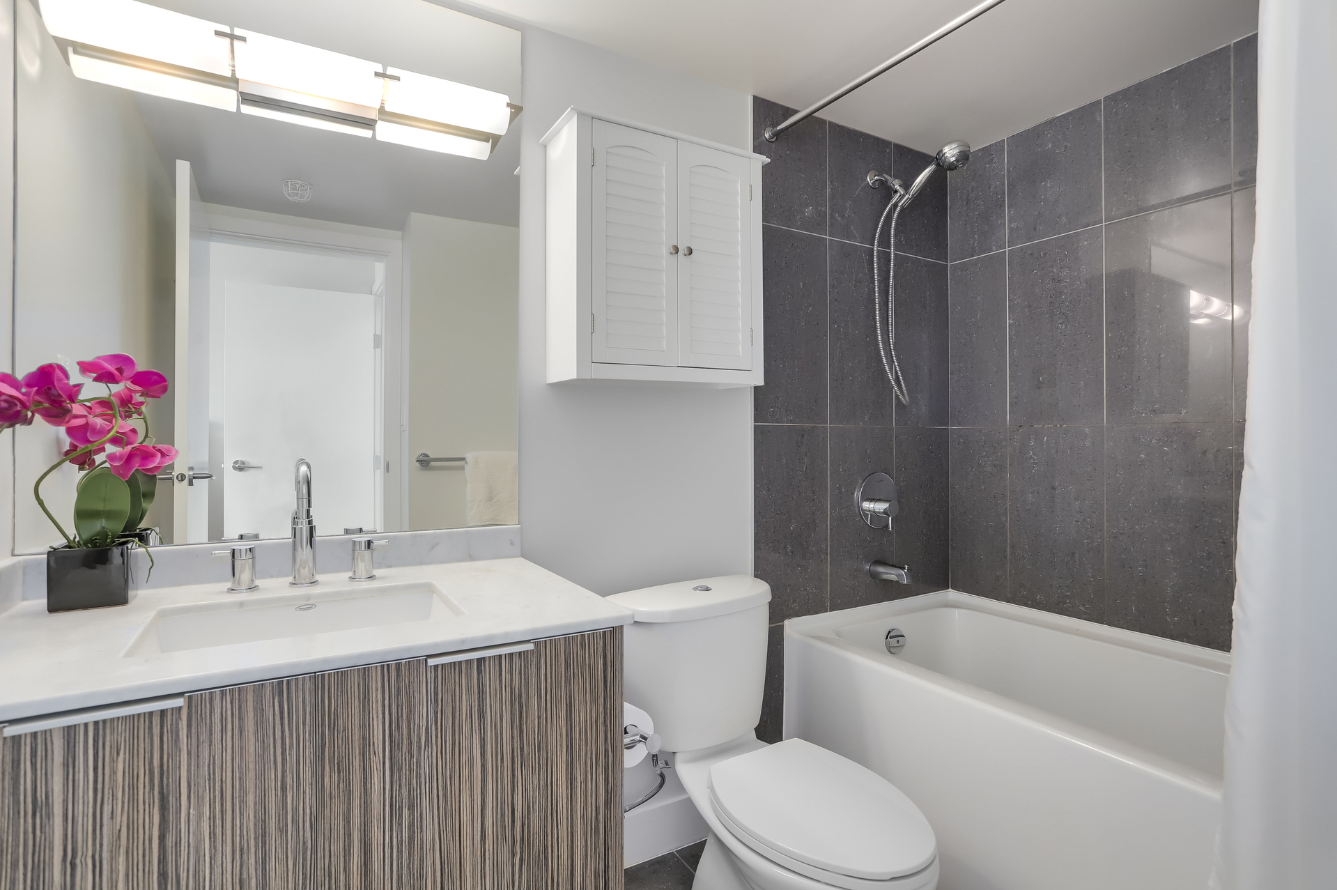 18 at 1701 - 1088 Richards Street, Yaletown, Vancouver West