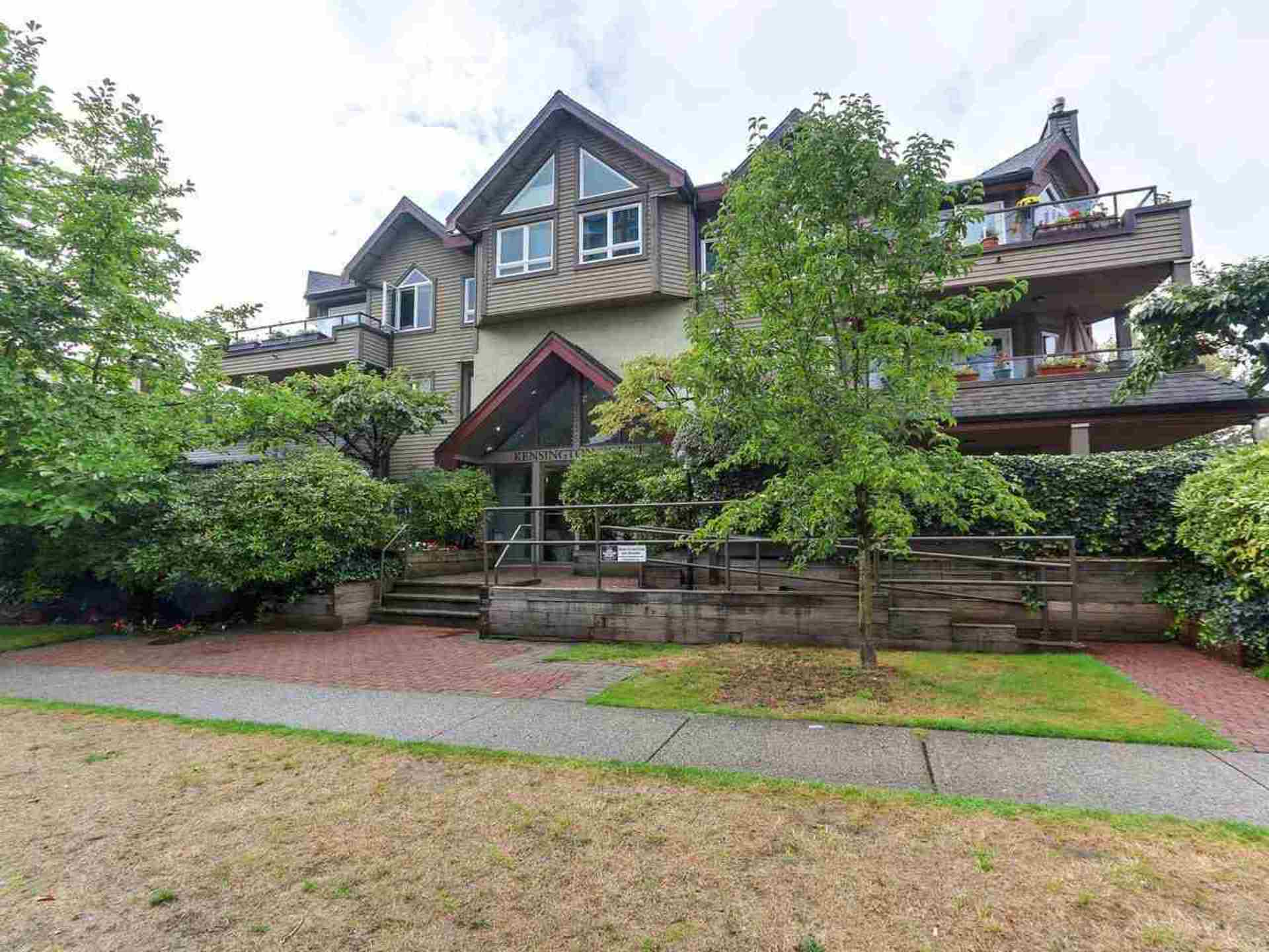 1535-chesterfield-avenue-central-lonsdale-north-vancouver-01 at 306 - 1535 Chesterfield Avenue, Central Lonsdale, North Vancouver