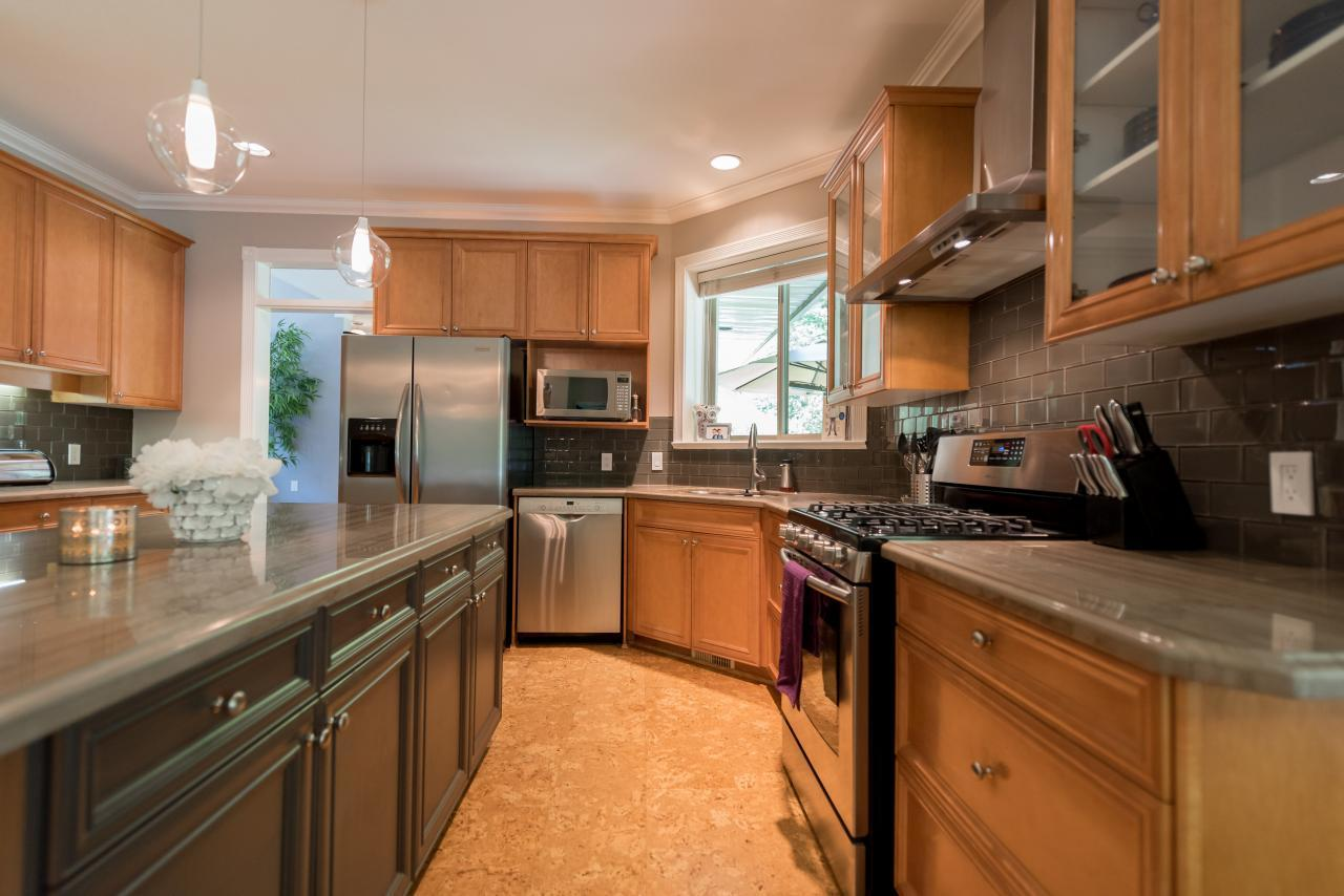 kitchen  at 3303 Huntleigh Court, Windsor Park NV, North Vancouver
