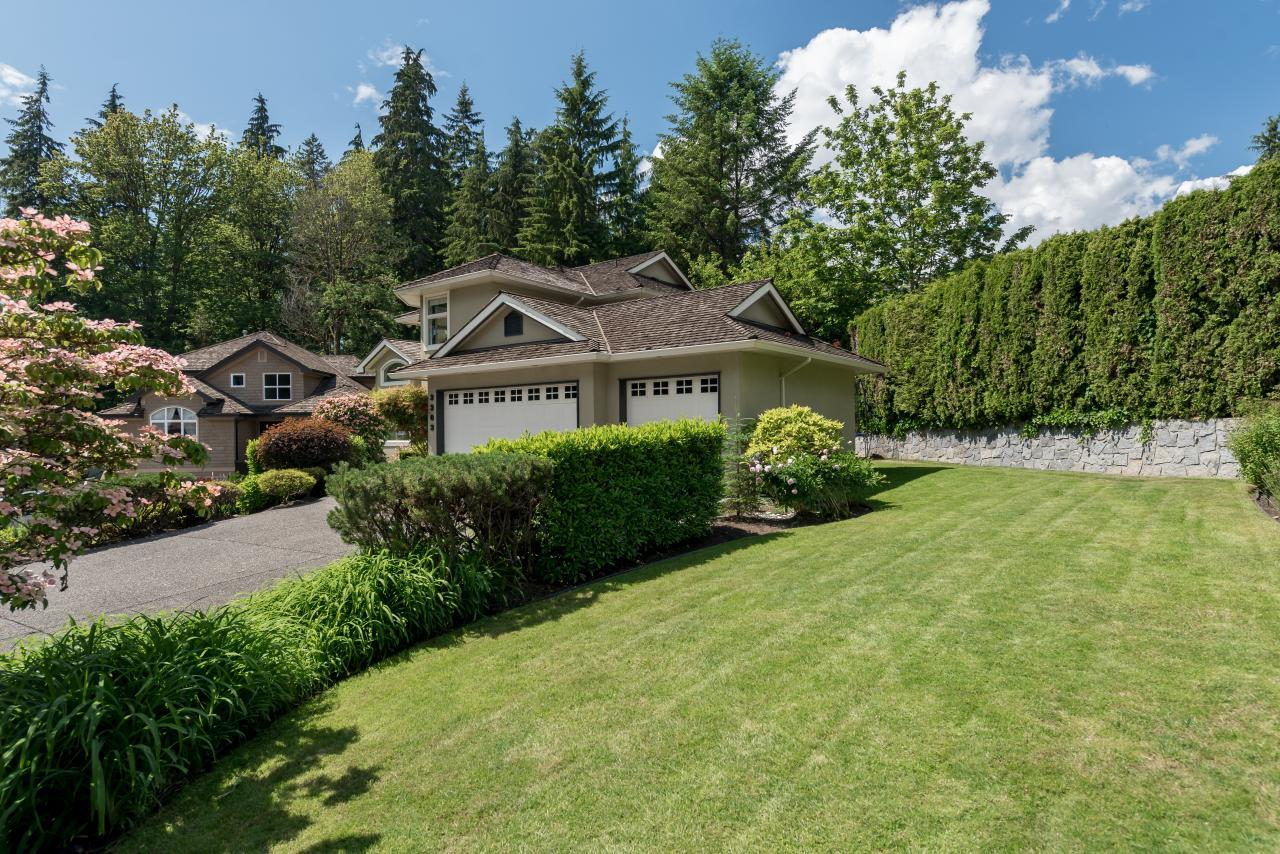 Front Yard at 3303 Huntleigh Court, Windsor Park NV, North Vancouver