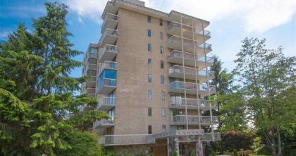402 - 1390 Duchess Avenue, Ambleside, West Vancouver 2
