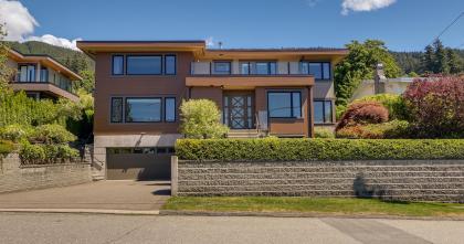 482 Genoa Cres, Upper Delbrook, North Vancouver 2