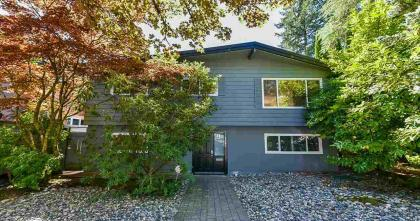 4445 Cove Cliff Road, Deep Cove, North Vancouver 2