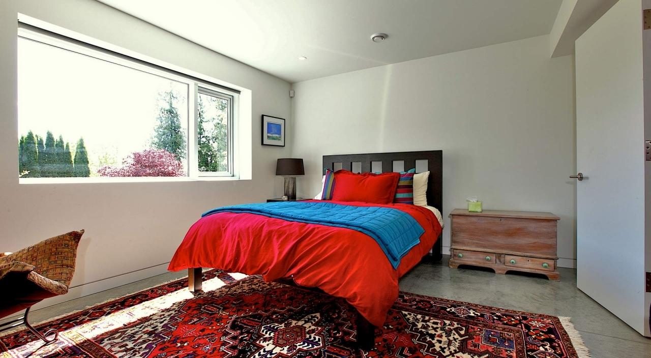 2924 Altamont Cres Bed 2 at 2924 Altamont Crescent, Altamont, West Vancouver