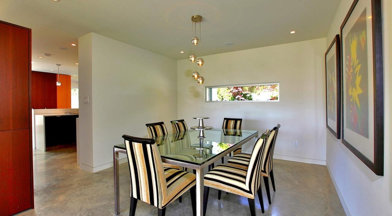 2924 Altamont Cres Dining Room at 2924 Altamont Crescent, Altamont, West Vancouver