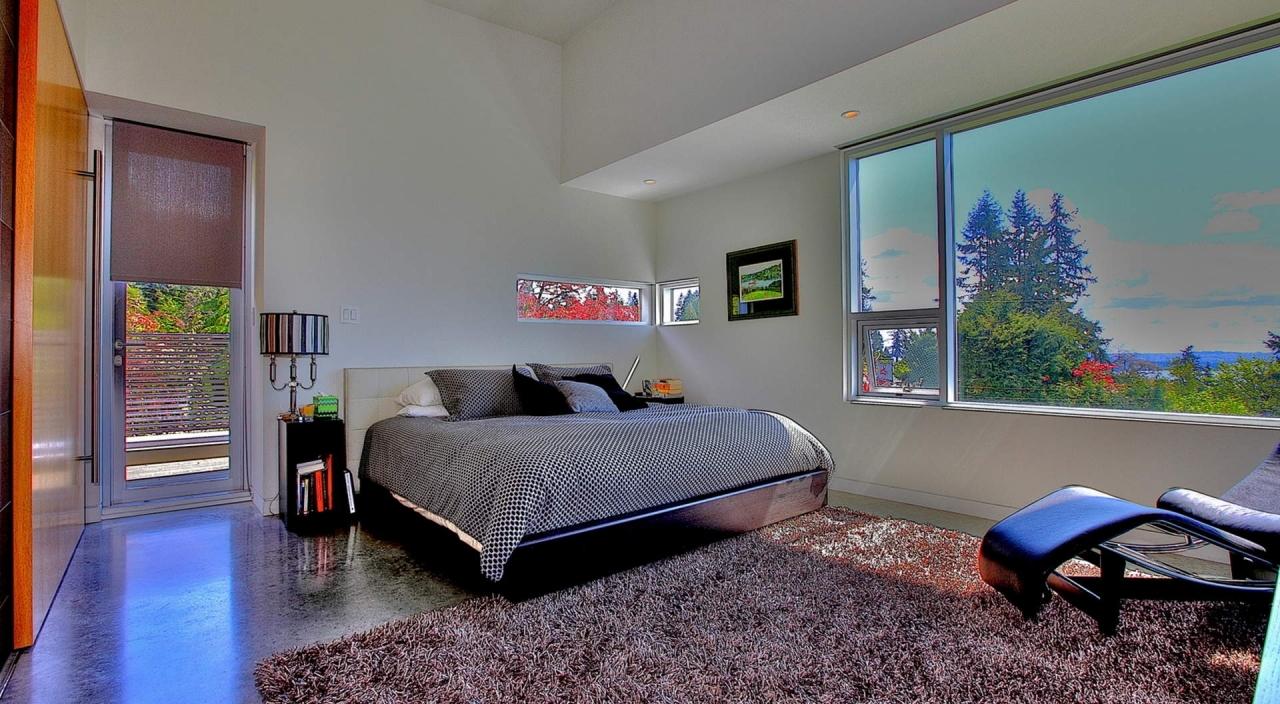 2924 Altamont Cres Master Bed at 2924 Altamont Crescent, Altamont, West Vancouver