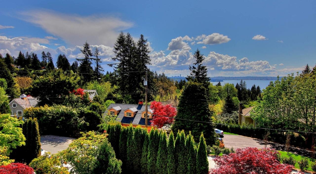 2924 Altamont Cres View at 2924 Altamont Crescent, Altamont, West Vancouver