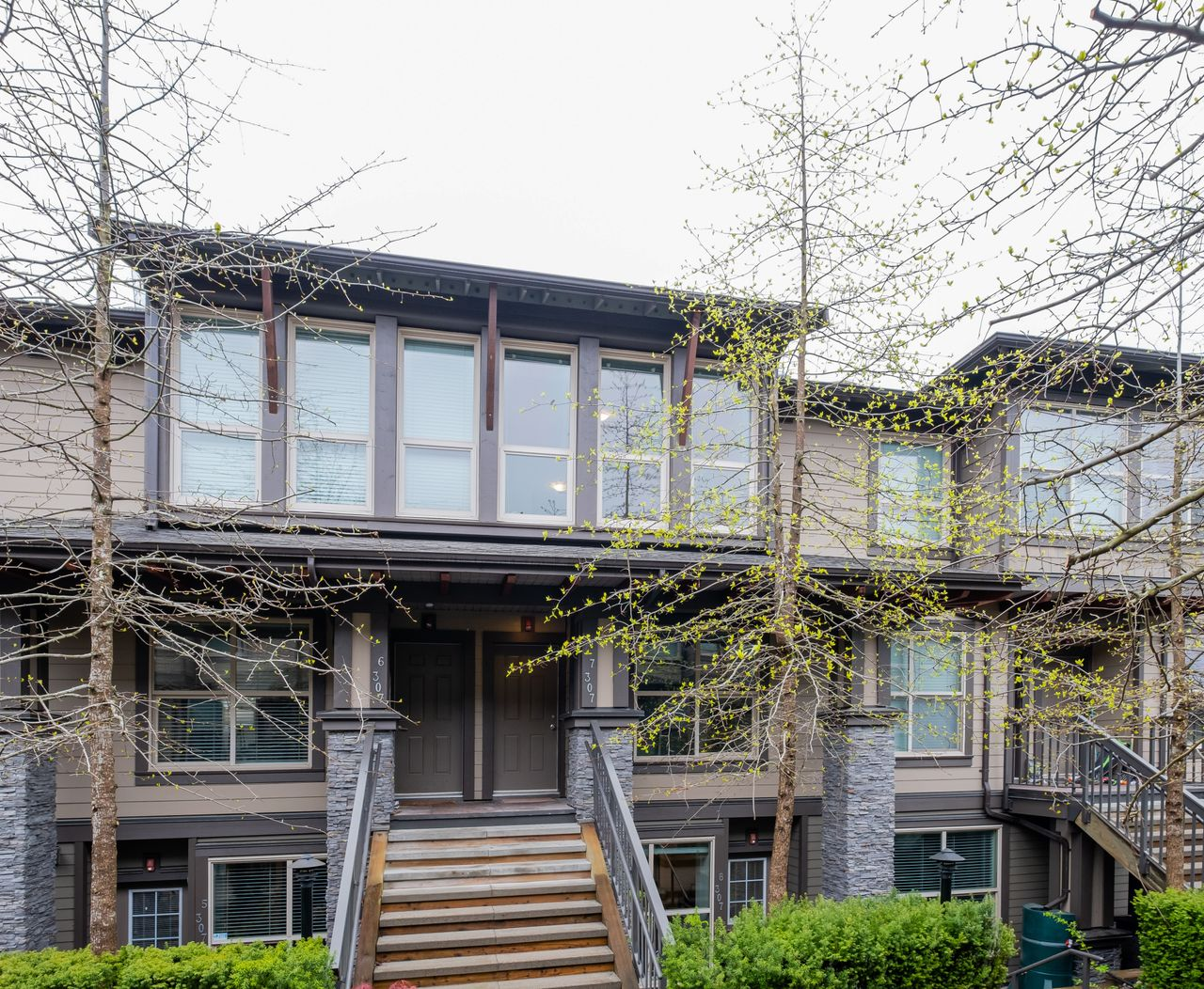 7-307-e-15th-front-view-2 at 7 - 307 E 15th Street, Central Lonsdale, North Vancouver