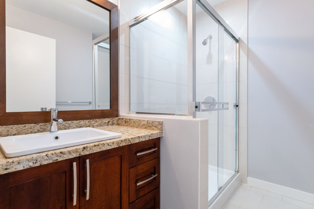 7-307-e-15th-st-ensuite at 7 - 307 E 15th Street, Central Lonsdale, North Vancouver