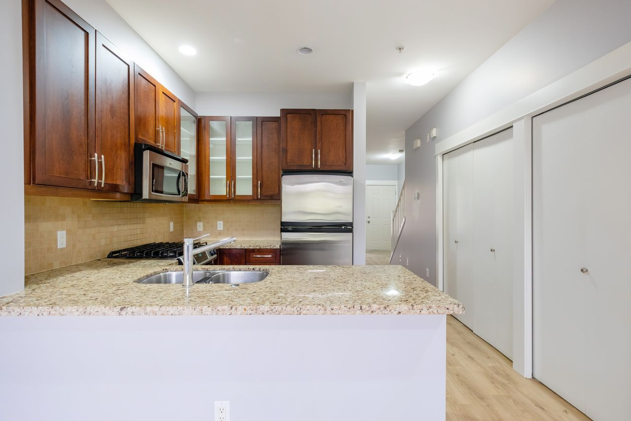 7-307-e-15th-st-kitchen at 7 - 307 E 15th Street, Central Lonsdale, North Vancouver