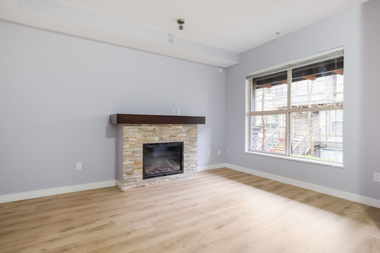 7-307-e-15th-st-living-room-2 at 7 - 307 E 15th Street, Central Lonsdale, North Vancouver