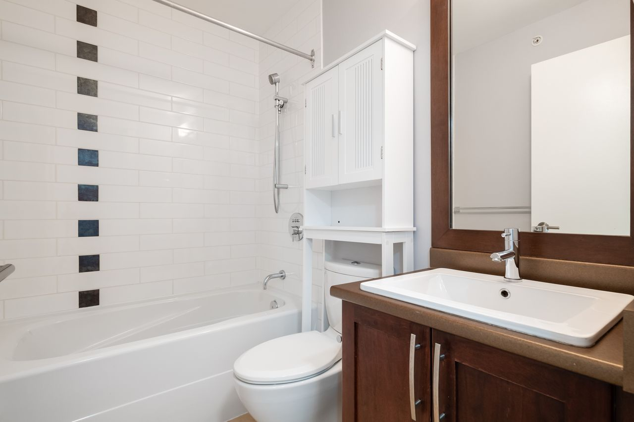 7-307-e-15th-st-main-bath at 7 - 307 E 15th Street, Central Lonsdale, North Vancouver
