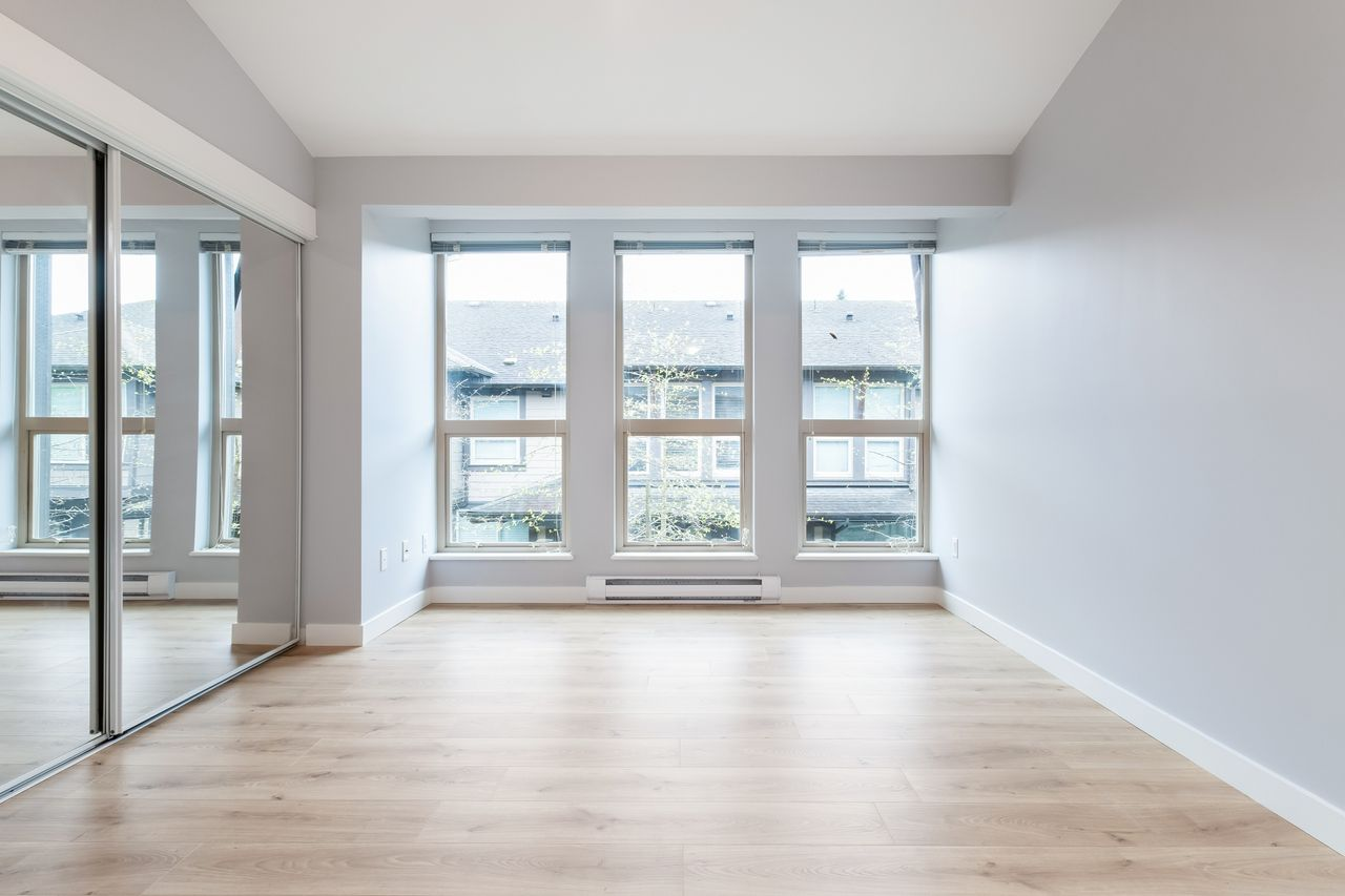 7-307-e-15th-st-master-bed-2 at 7 - 307 E 15th Street, Central Lonsdale, North Vancouver