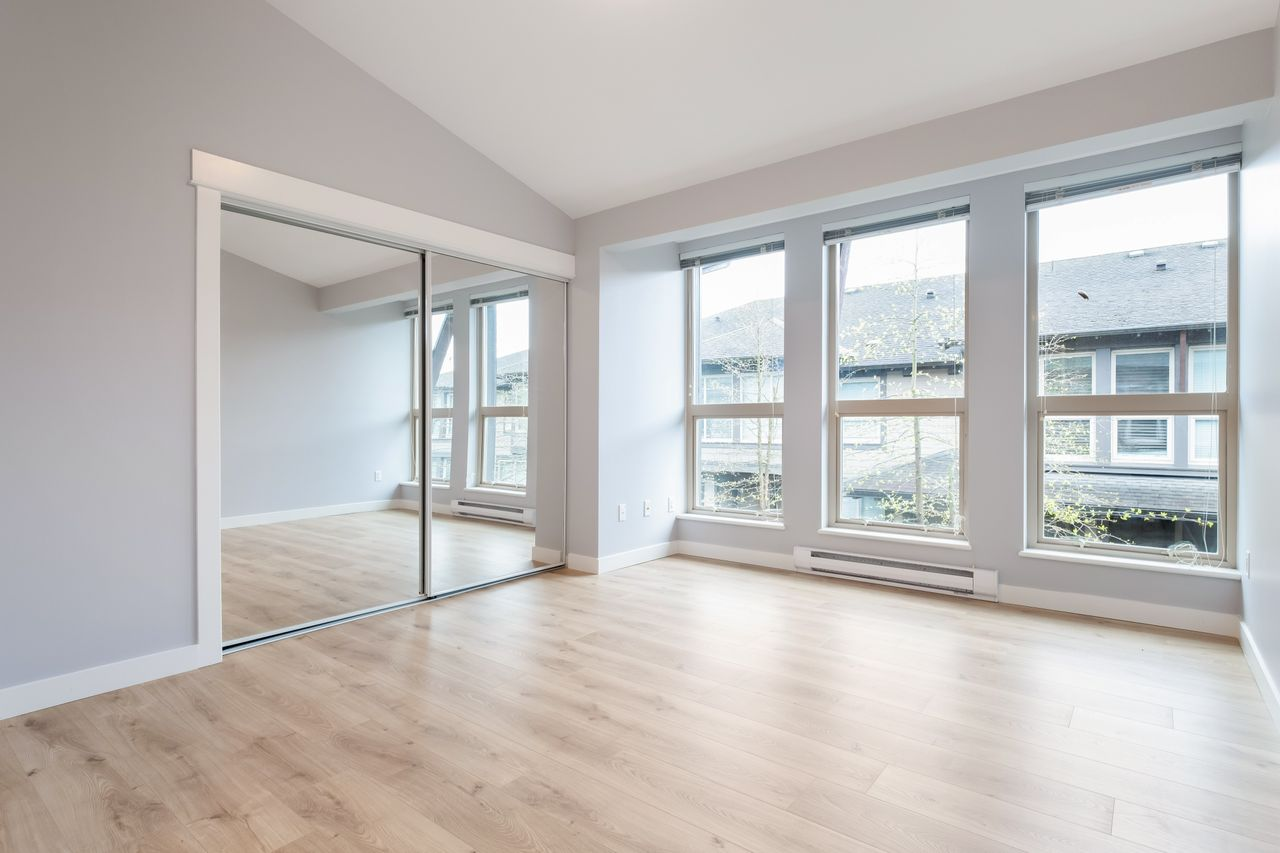 7-307-e-15th-st-master-bed at 7 - 307 E 15th Street, Central Lonsdale, North Vancouver