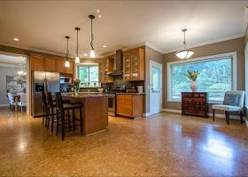 3303 Huntleigh Court, Windsor Park NV, North Vancouver 3