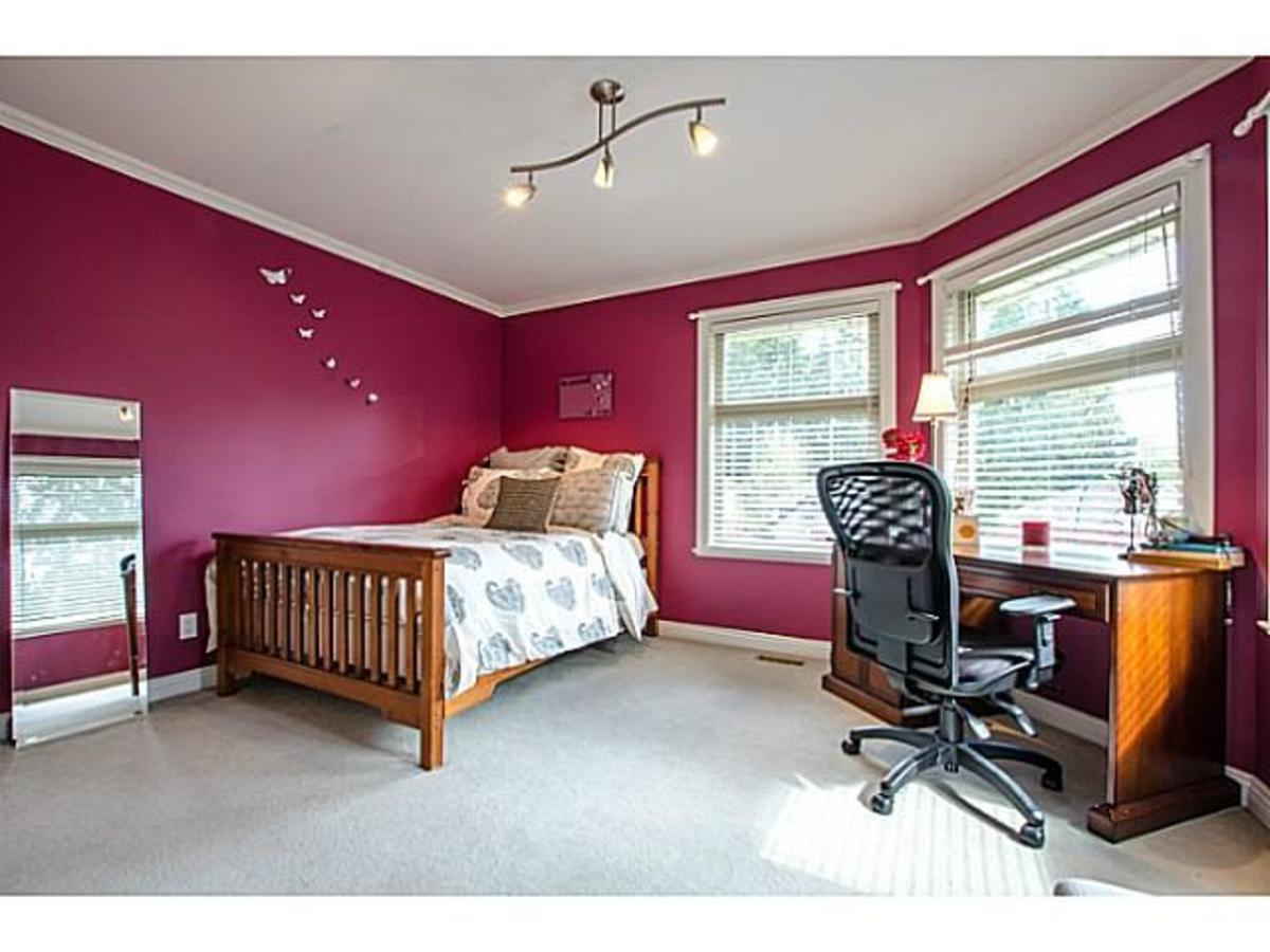 3303 Huntleigh Crt. Bed at 3303 Huntleigh Court, Windsor Park NV, North Vancouver