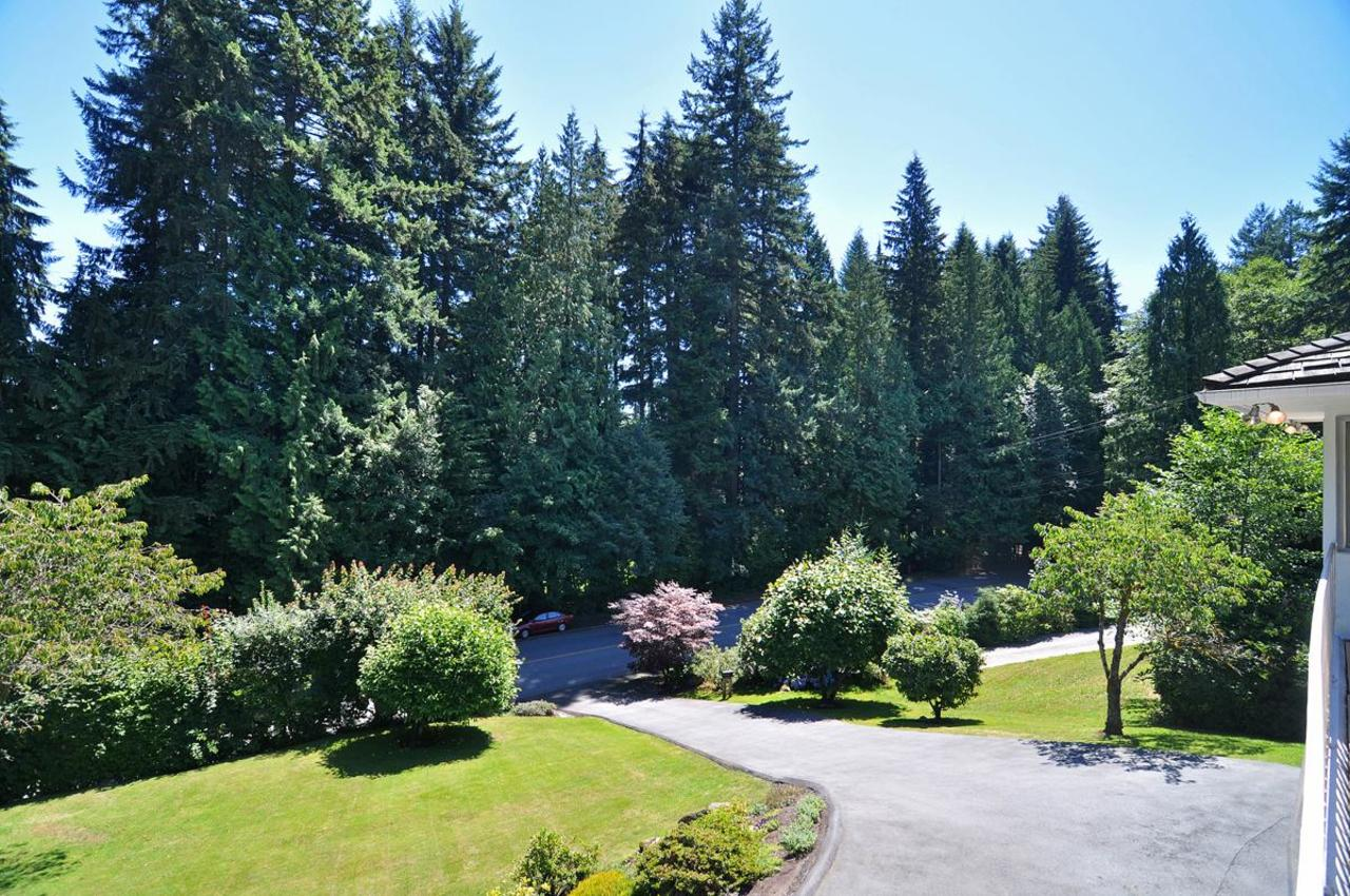 Front Yard at 409 Southborough Drive, British Properties, West Vancouver