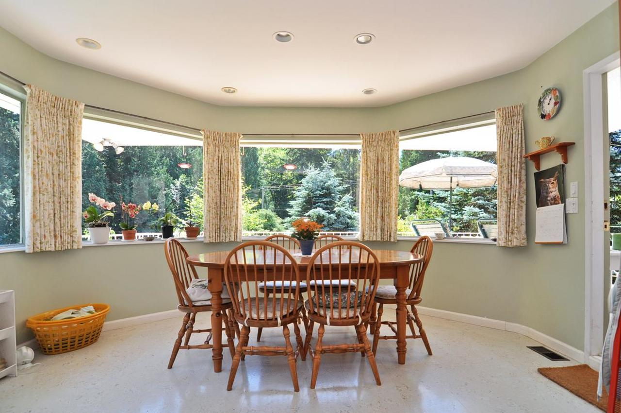 Eating Area at 409 Southborough Drive, British Properties, West Vancouver