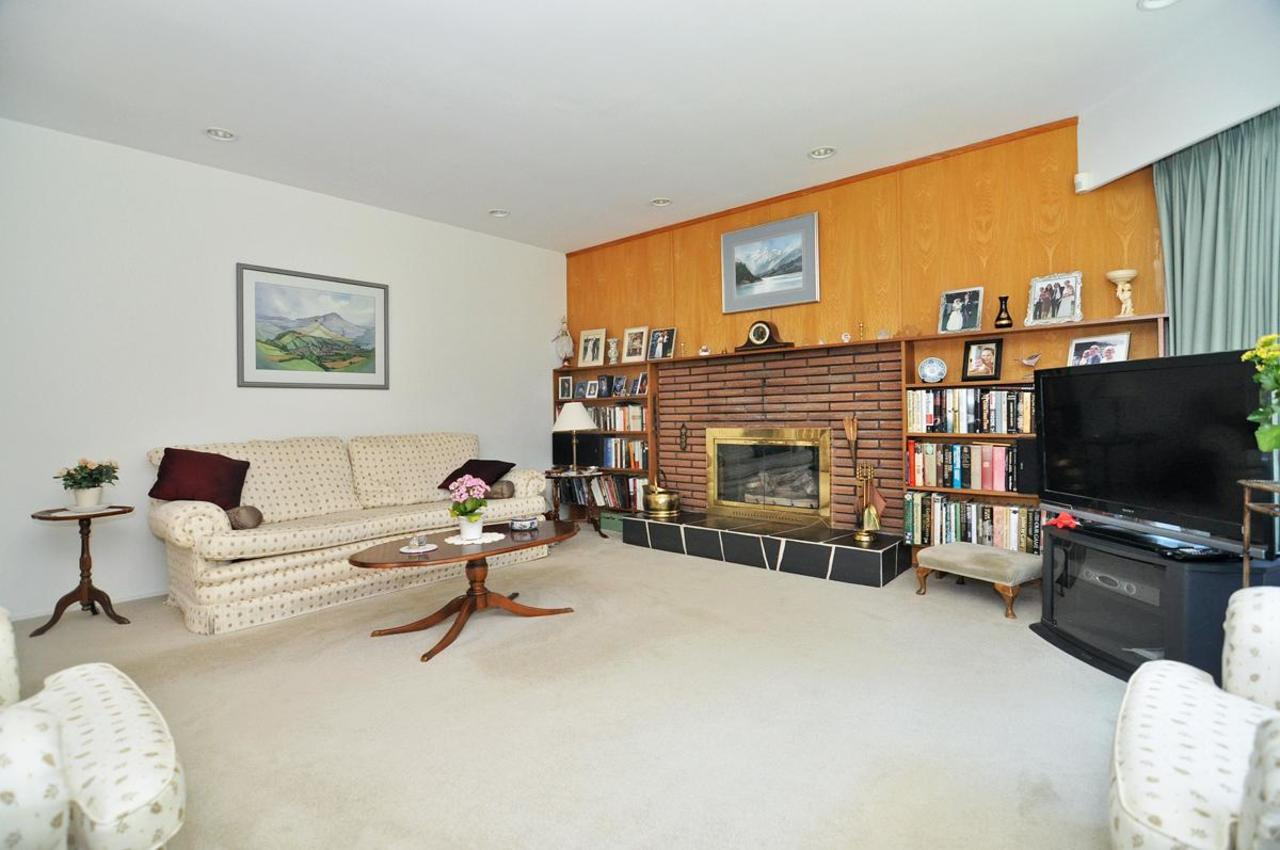 Living Room at 409 Southborough Drive, British Properties, West Vancouver