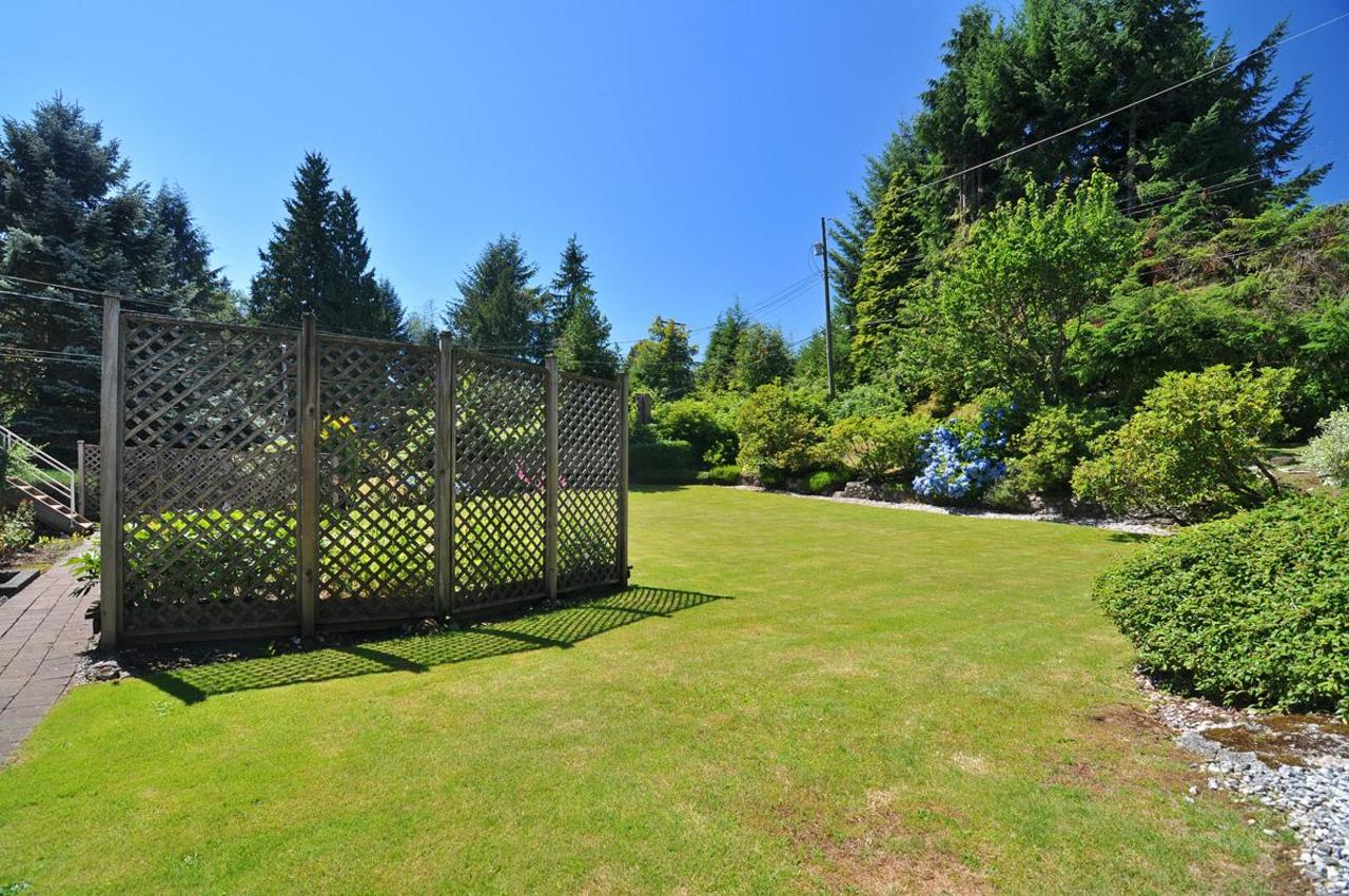 Rear Yard 2 at 409 Southborough Drive, British Properties, West Vancouver