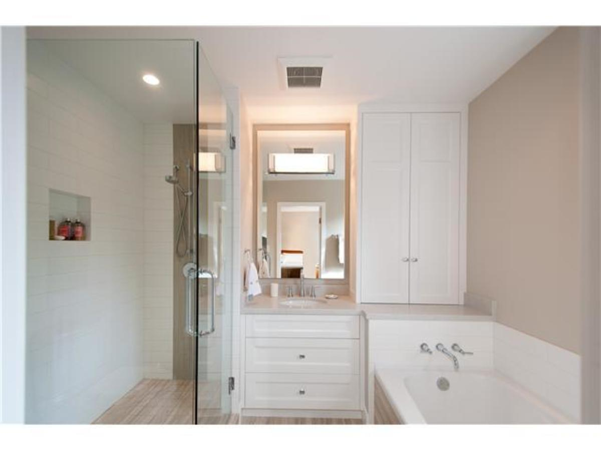 4095 Ripple Rd Master Ensuite at 4095 Ripple Road, Bayridge, West Vancouver