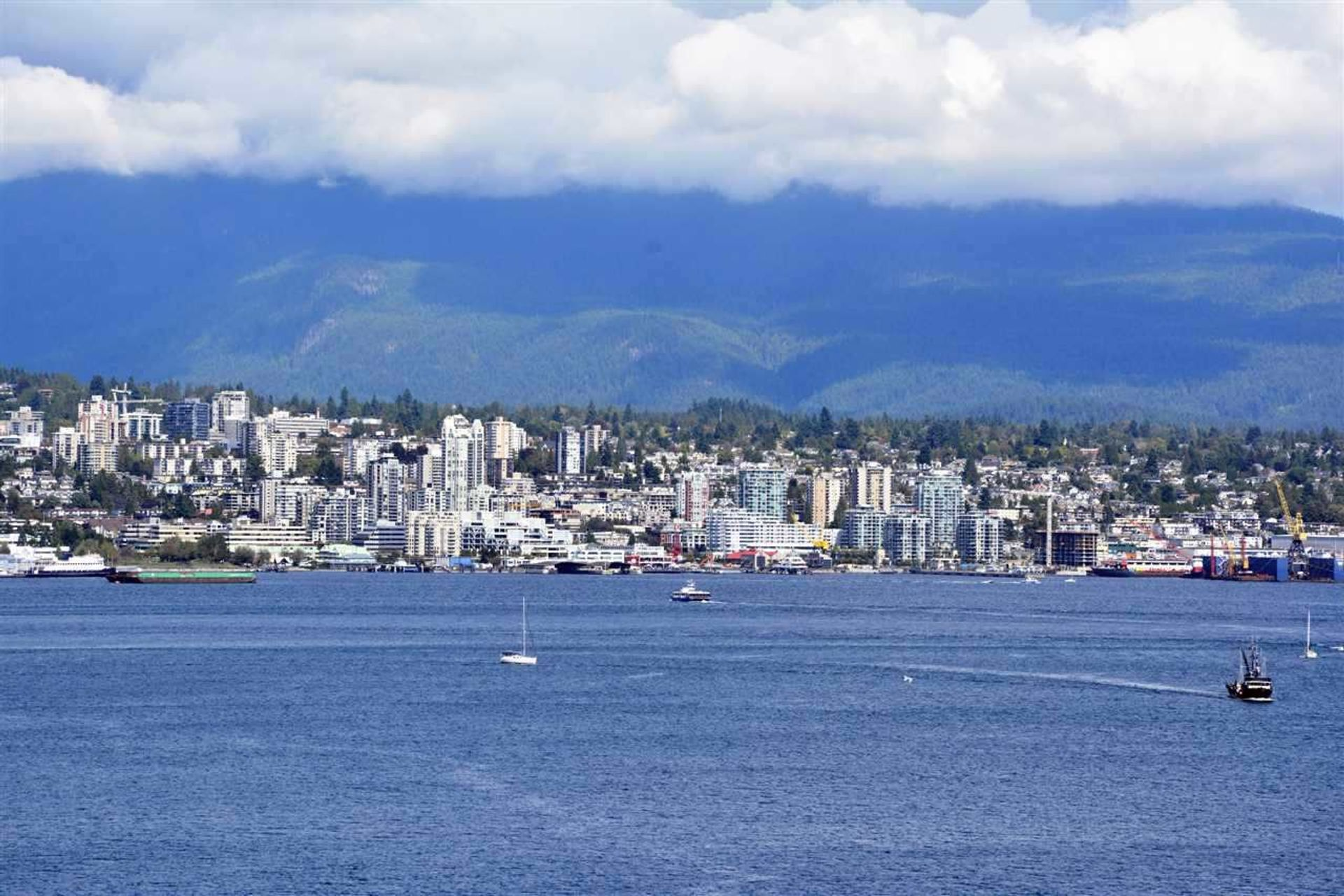2204 - 555 Jervis Street, Coal Harbour, Vancouver West photo number 1
