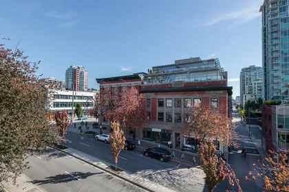 108-w-esplanade-avenue-lower-lonsdale-north-vancouver-16 at 407 - 108 W Esplanade Avenue, Lower Lonsdale, North Vancouver