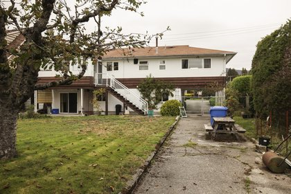 279f73451546e9bb8dee0a58fcce015a at 625 - 16th Street Vancouver,