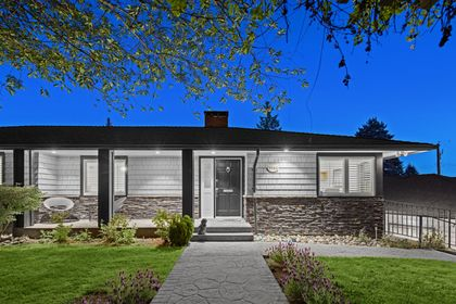 full-3 at 3985 Sunnycrest Drive, Forest Hills NV, North Vancouver