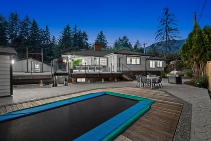 full-35 at 3985 Sunnycrest Drive, Forest Hills NV, North Vancouver