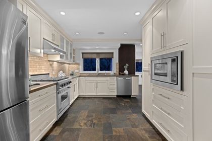 full-5 at 3985 Sunnycrest Drive, Forest Hills NV, North Vancouver