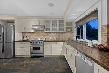 full-6 at 3985 Sunnycrest Drive, Forest Hills NV, North Vancouver
