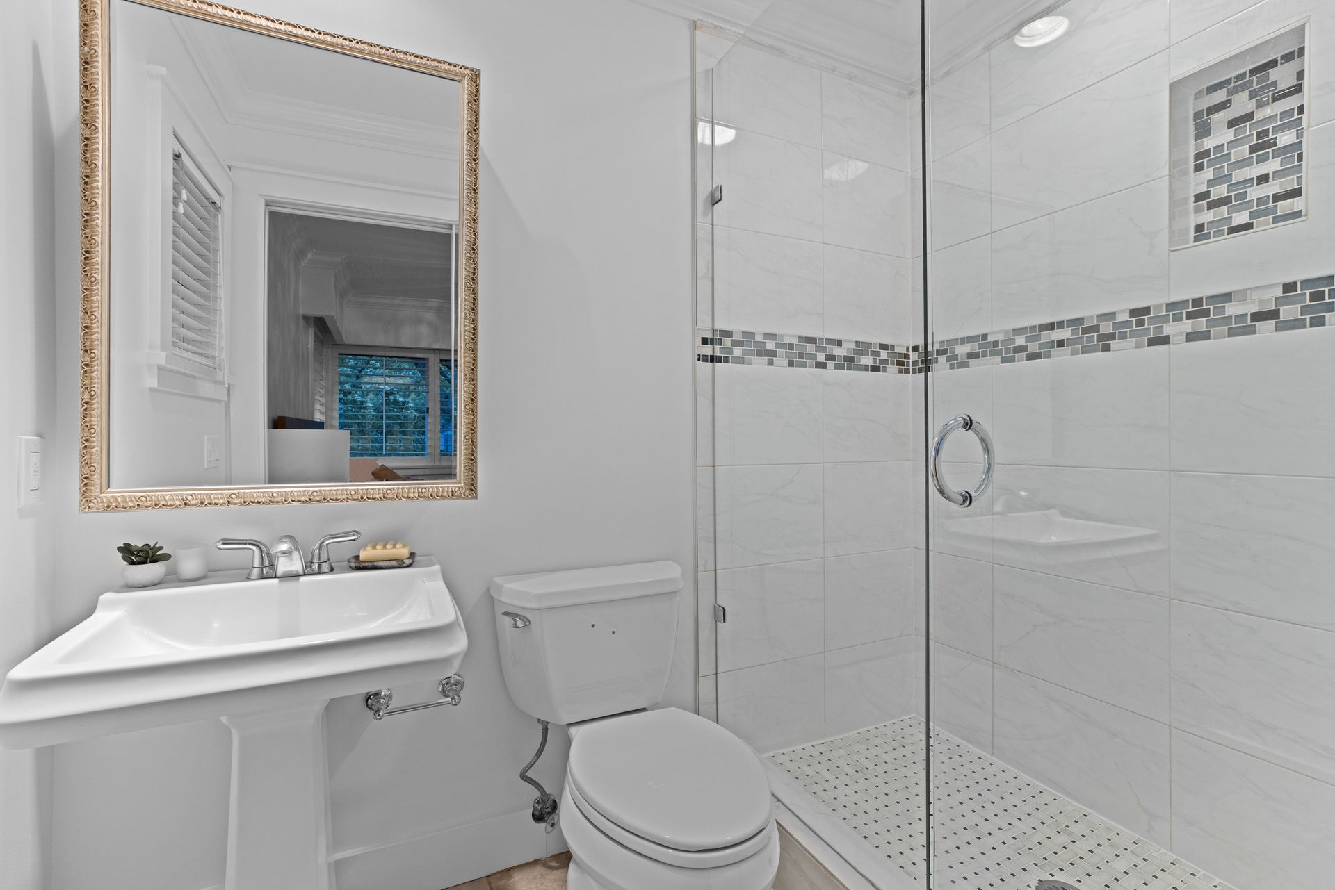 full-23 at 3985 Sunnycrest Drive, Forest Hills NV, North Vancouver