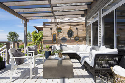 Sundeck-Patio-Balcony-Exterior at 3355 Goldstream Drive, Abbotsford East, Abbotsford