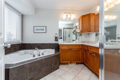 Interior-Bedroom-Master-Ensuite-Bathroom at 3355 Goldstream Drive, Abbotsford East, Abbotsford