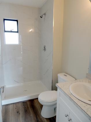 Interior - Bathroom - Ensuite - Powder Room - Washroom - Master Suite at 45347 Stevenson Road, Chilliwack