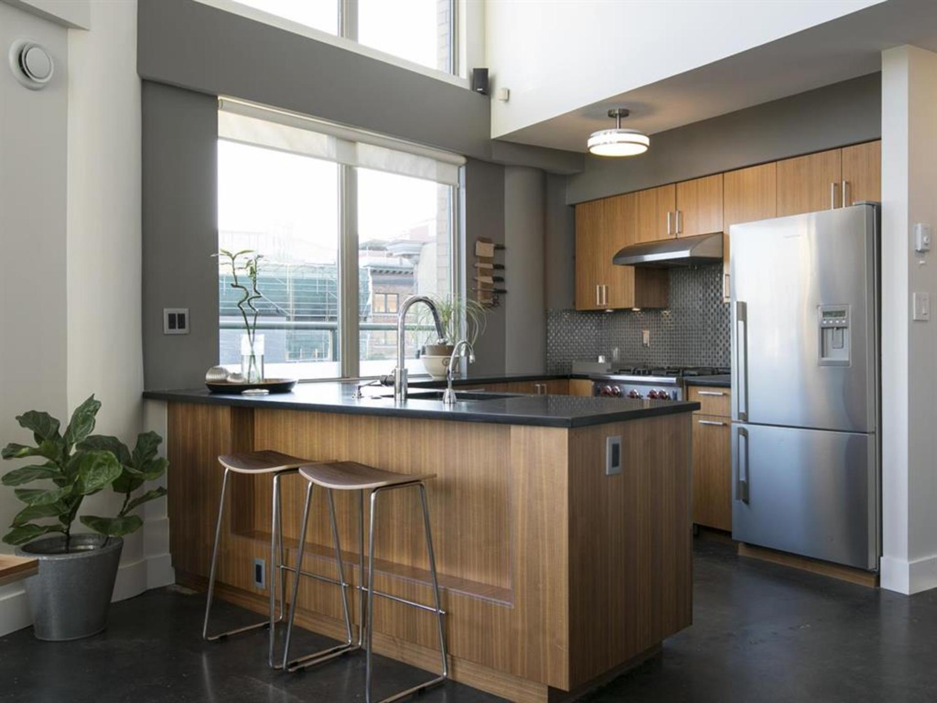 262039623-4 at 606 - 55 Alexander Street, Downtown VE, Vancouver East