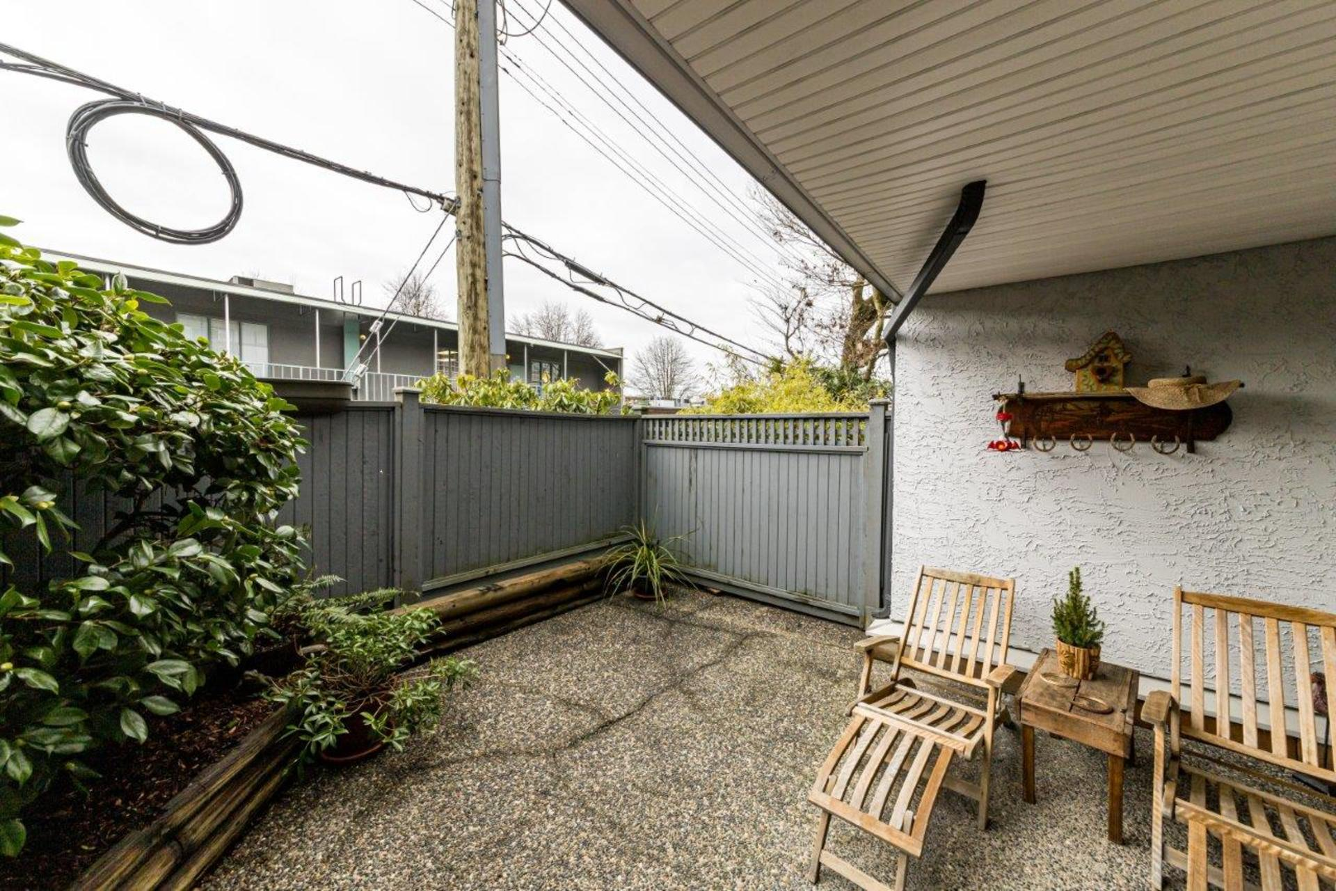 809w16-11 at 107 - 809 West 16th Street, Mosquito Creek, North Vancouver