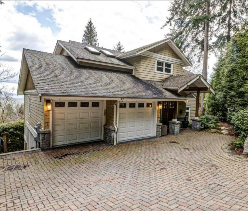 1287 Mcnair Street, Lynn Valley, North Vancouver 2