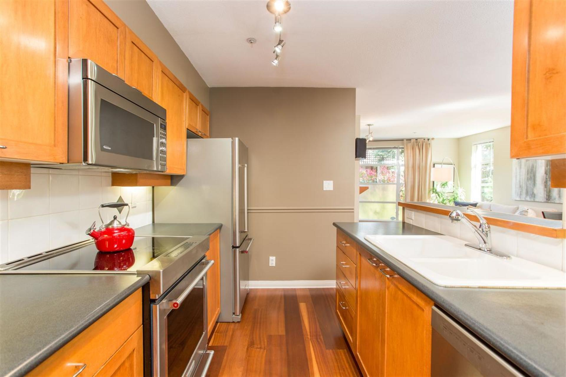 205 - 2525 W 4th Avenue, Kitsilano, Vancouver West