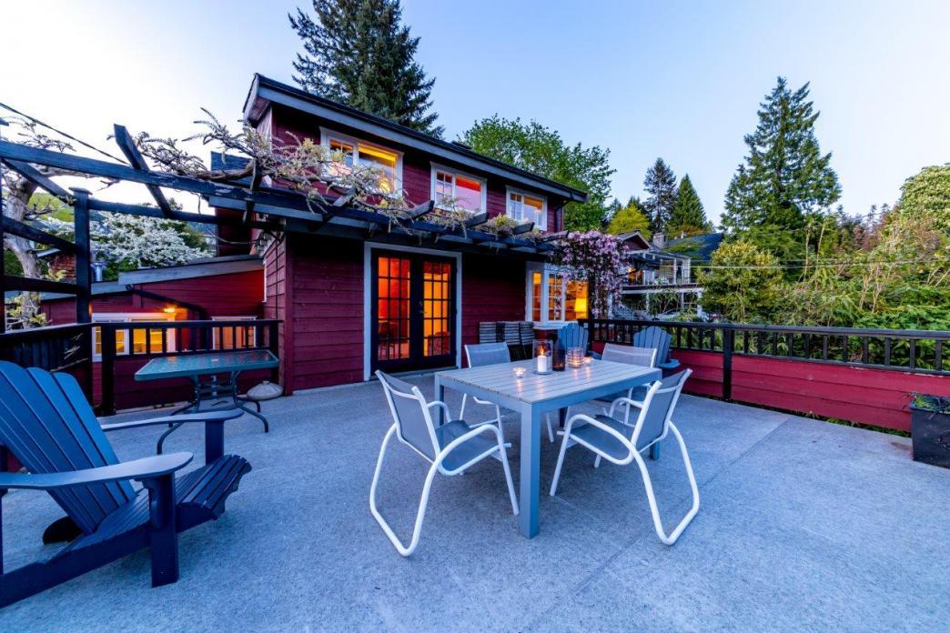 180 East Carisbrooke Road, Upper Lonsdale, North Vancouver 2