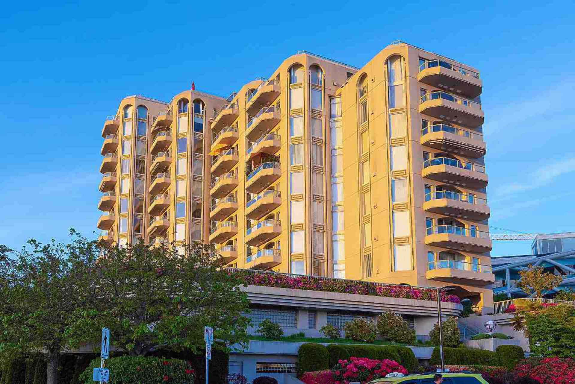 603 - 168 Chadwick Court, Lower Lonsdale, North Vancouver 2