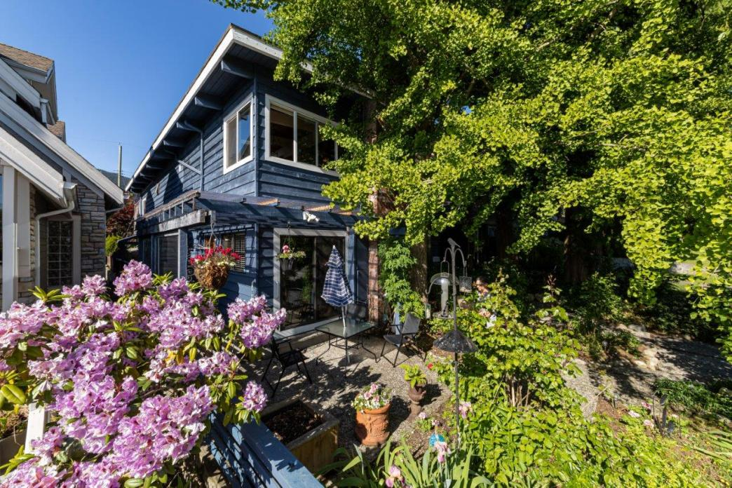 356 W 27th Street, Upper Lonsdale, North Vancouver 2
