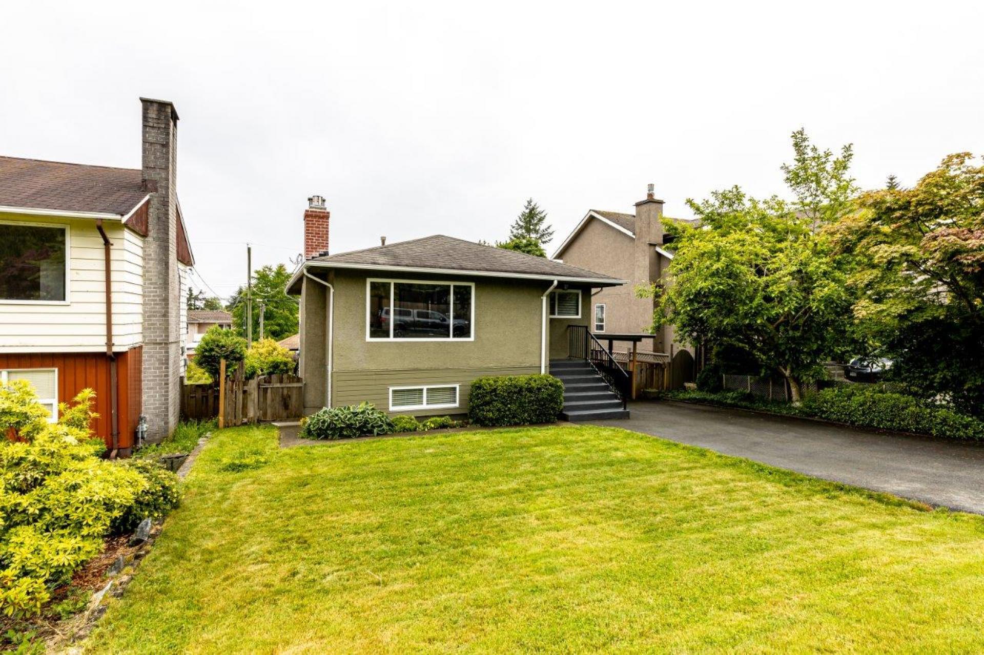 819 E 14th Street, Boulevard, North Vancouver