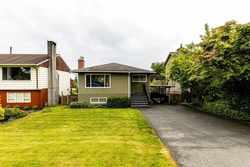819-e-14th-street-boulevard-north-vancouver-38 at 819 E 14th Street, Boulevard, North Vancouver