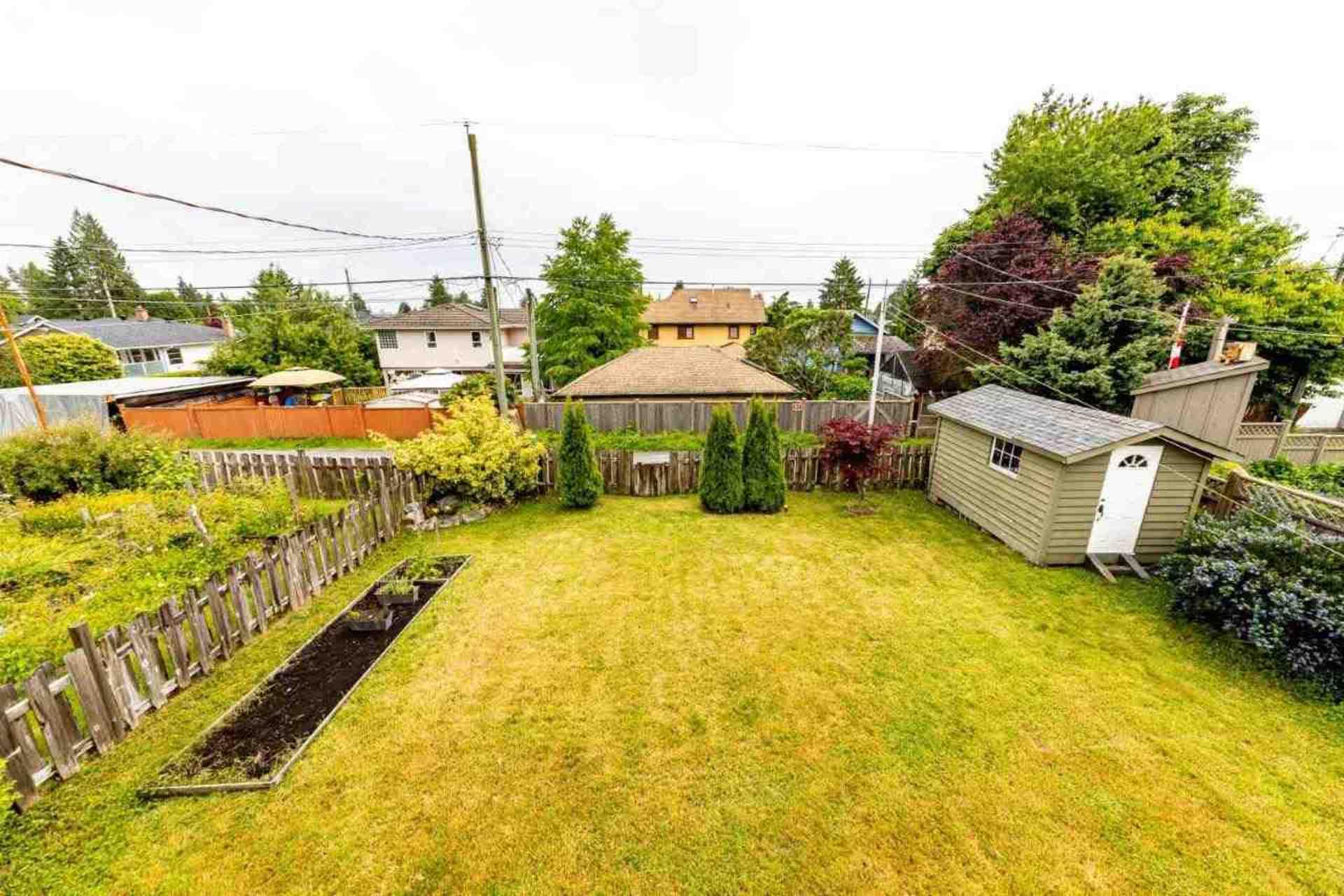 819-e-14th-street-boulevard-north-vancouver-32 at 819 E 14th Street, Boulevard, North Vancouver