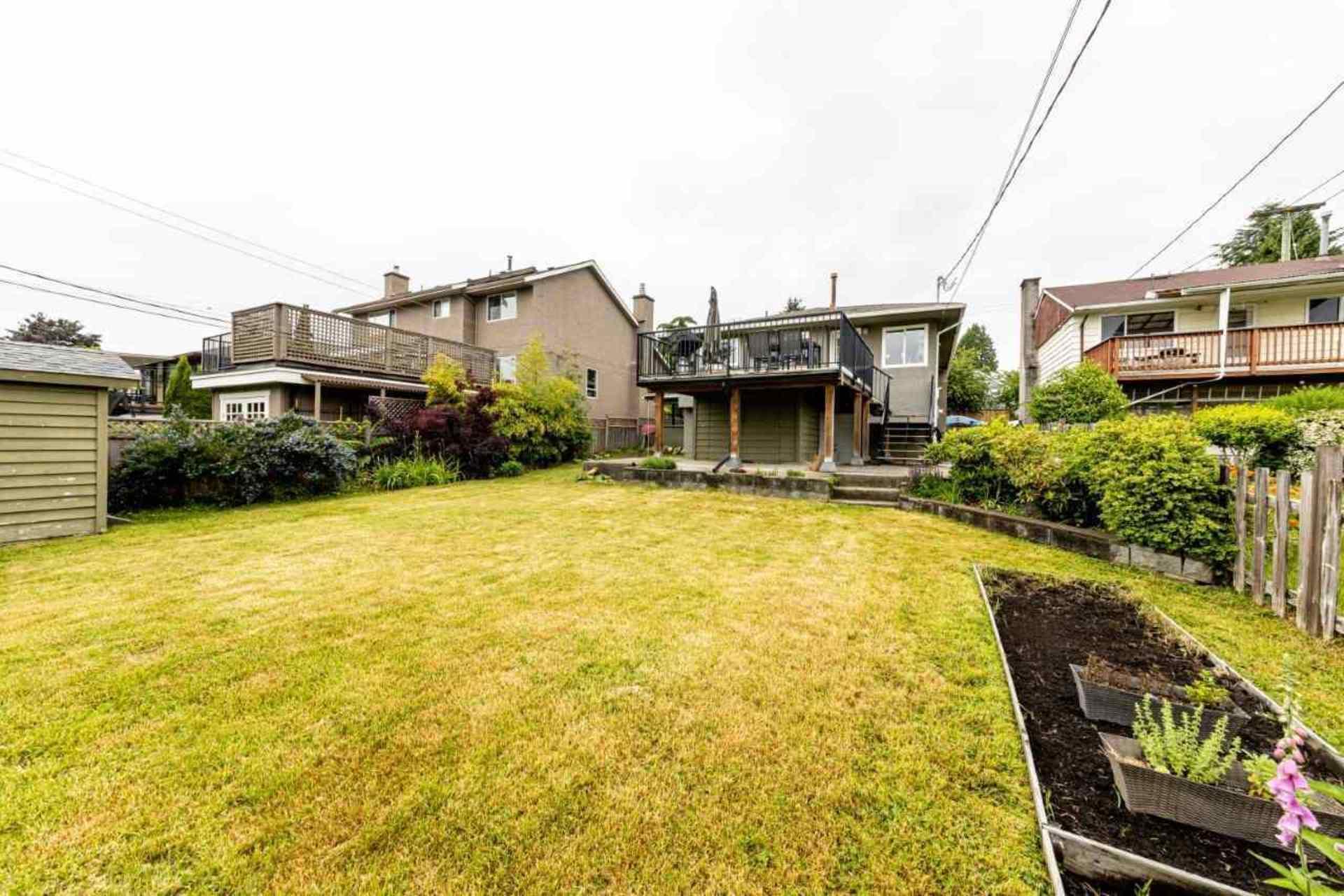819-e-14th-street-boulevard-north-vancouver-36 at 819 E 14th Street, Boulevard, North Vancouver